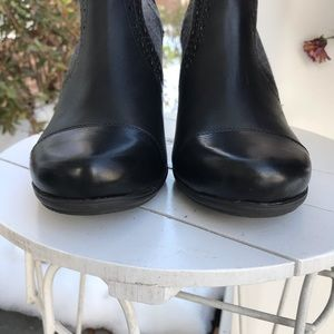 Rockport Shoes - Rockport leather and herringbone booties. NWOT